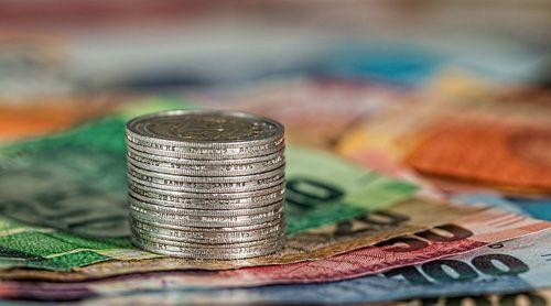 Нужны срочно деньги погасить долги в банках — как не попасть в долговую яму?